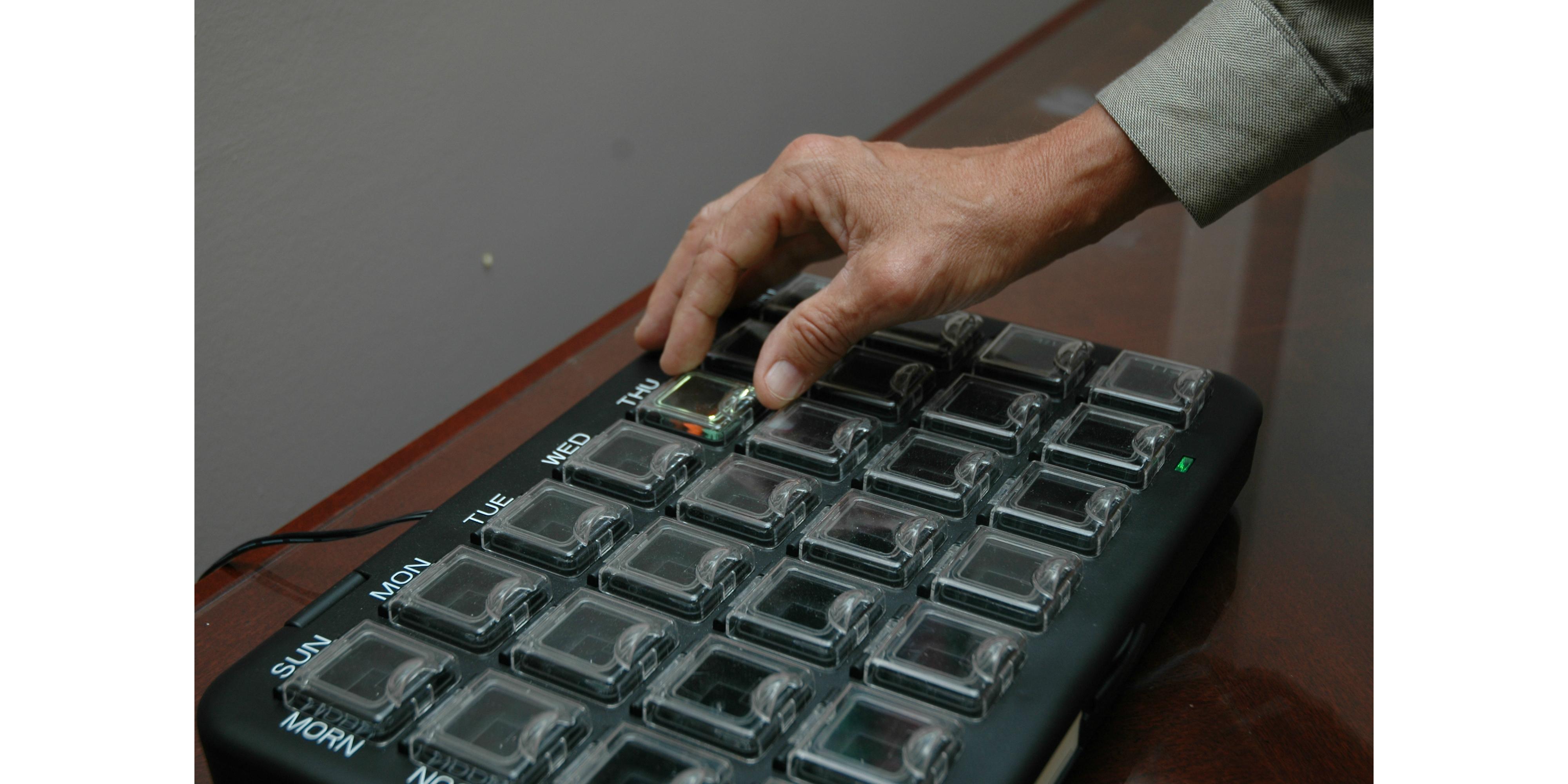 Electronic Medication System Electronic Medication Tray